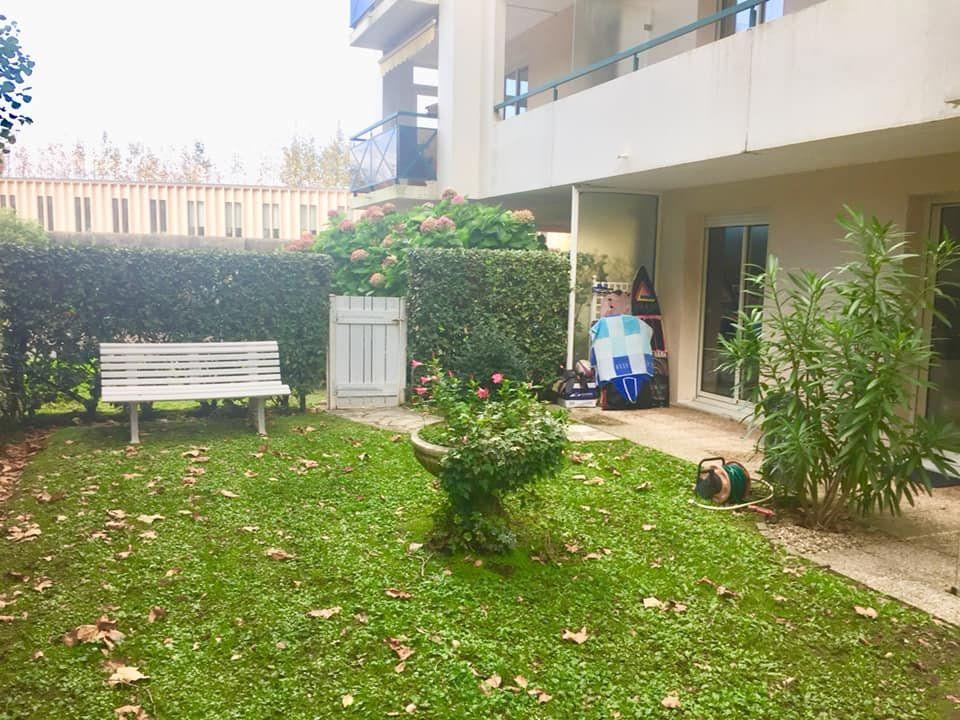 Appartement à vendre 2 47.79m2 à Biarritz vignette-1