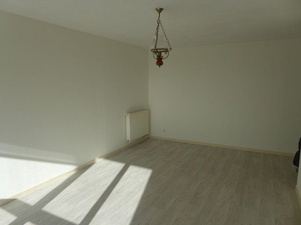 Appartement à louer 3 61.08m2 à Anglet vignette-2