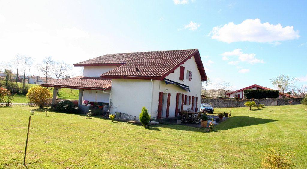 Maison à vendre 5 200m2 à Briscous vignette-2