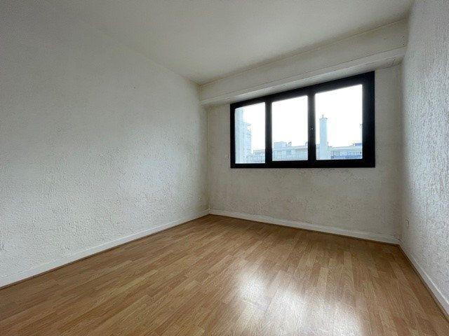 Appartement à vendre 4 79.45m2 à Biarritz vignette-3