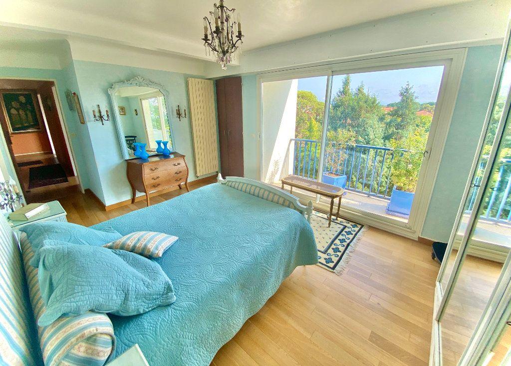 Appartement à vendre 5 121.89m2 à Biarritz vignette-2