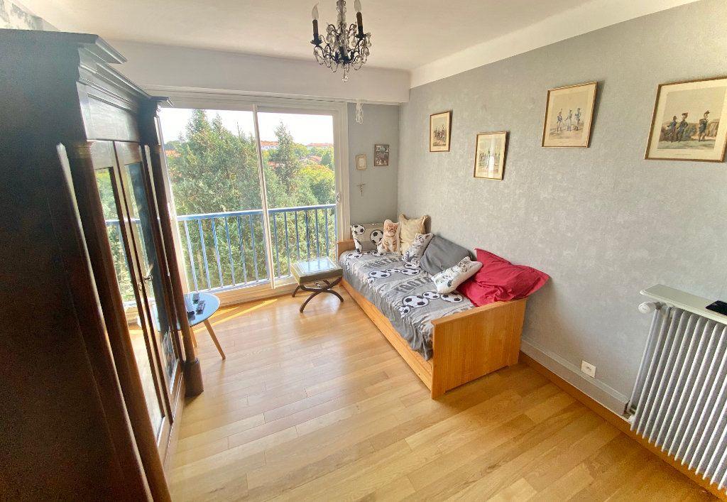 Appartement à vendre 5 121.89m2 à Biarritz vignette-7