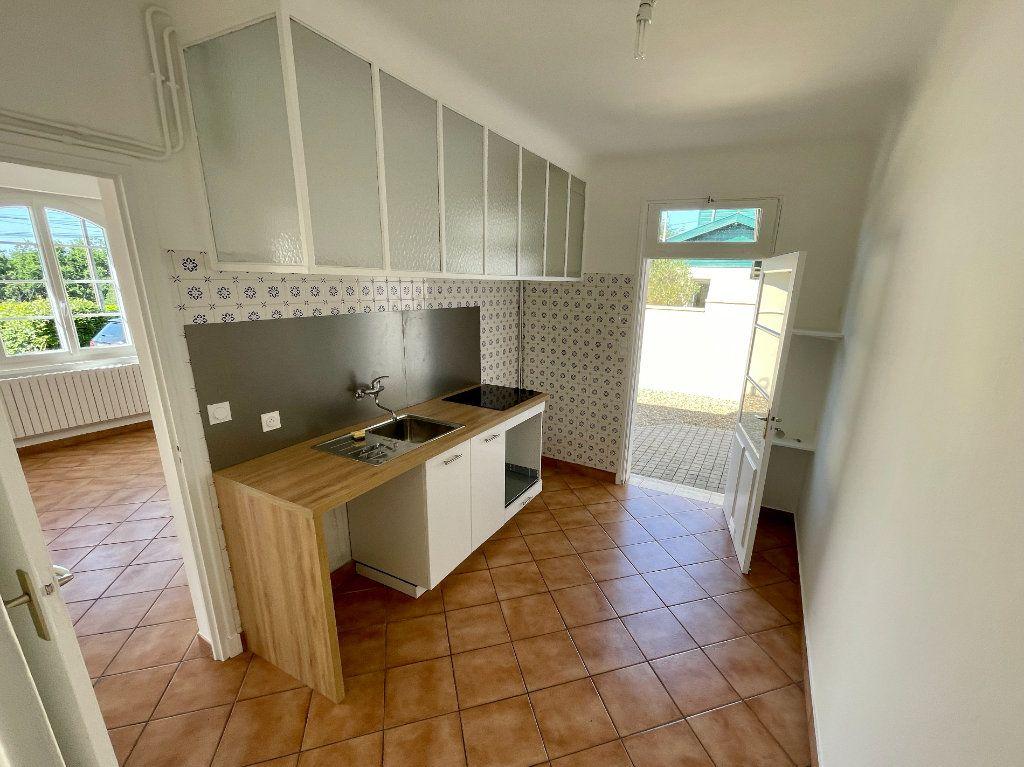 Maison à louer 4 92m2 à Anglet vignette-4