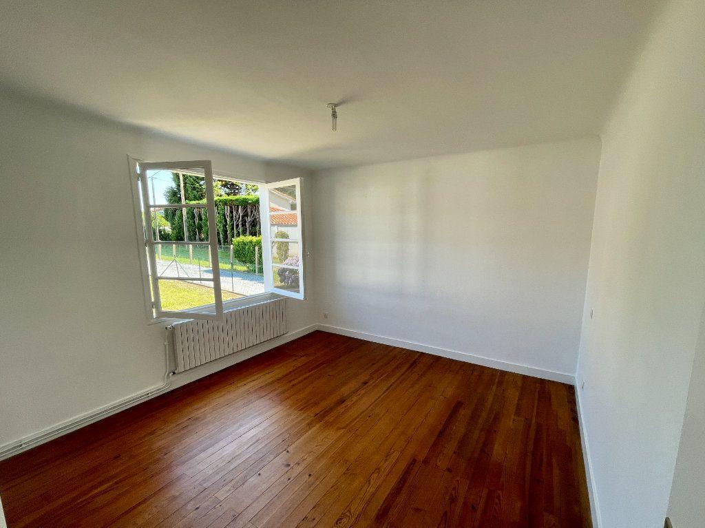Maison à louer 4 92m2 à Anglet vignette-6