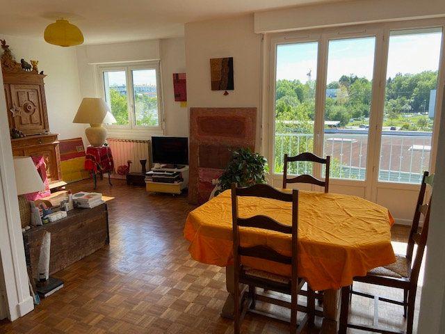 Appartement à vendre 4 65.59m2 à Bayonne vignette-1