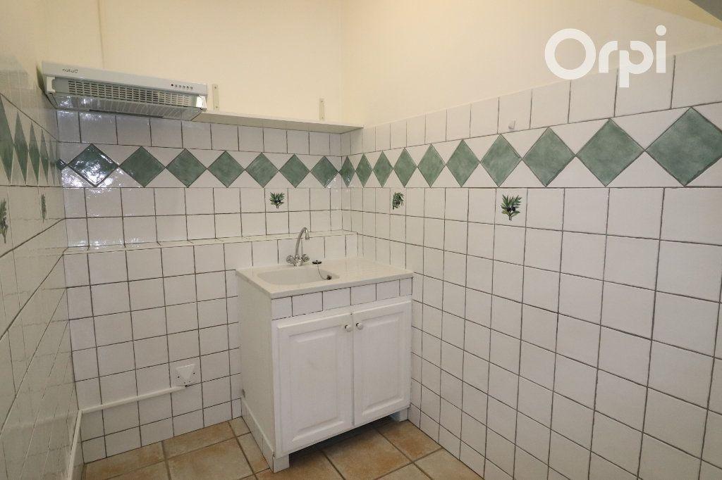 Appartement à louer 2 45.6m2 à Roquevaire vignette-3