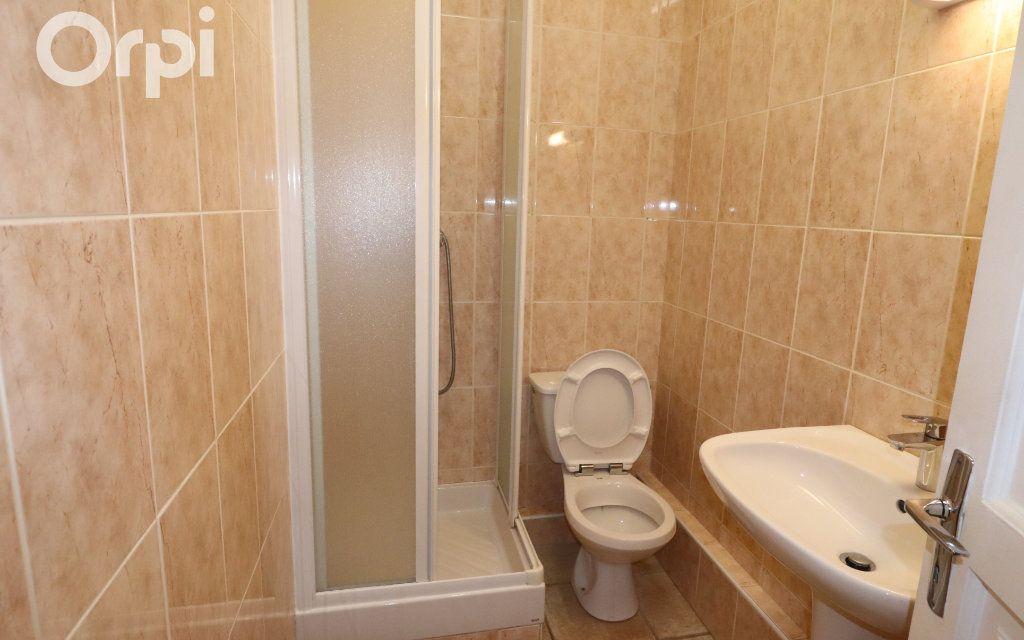 Appartement à louer 2 45.6m2 à Roquevaire vignette-4