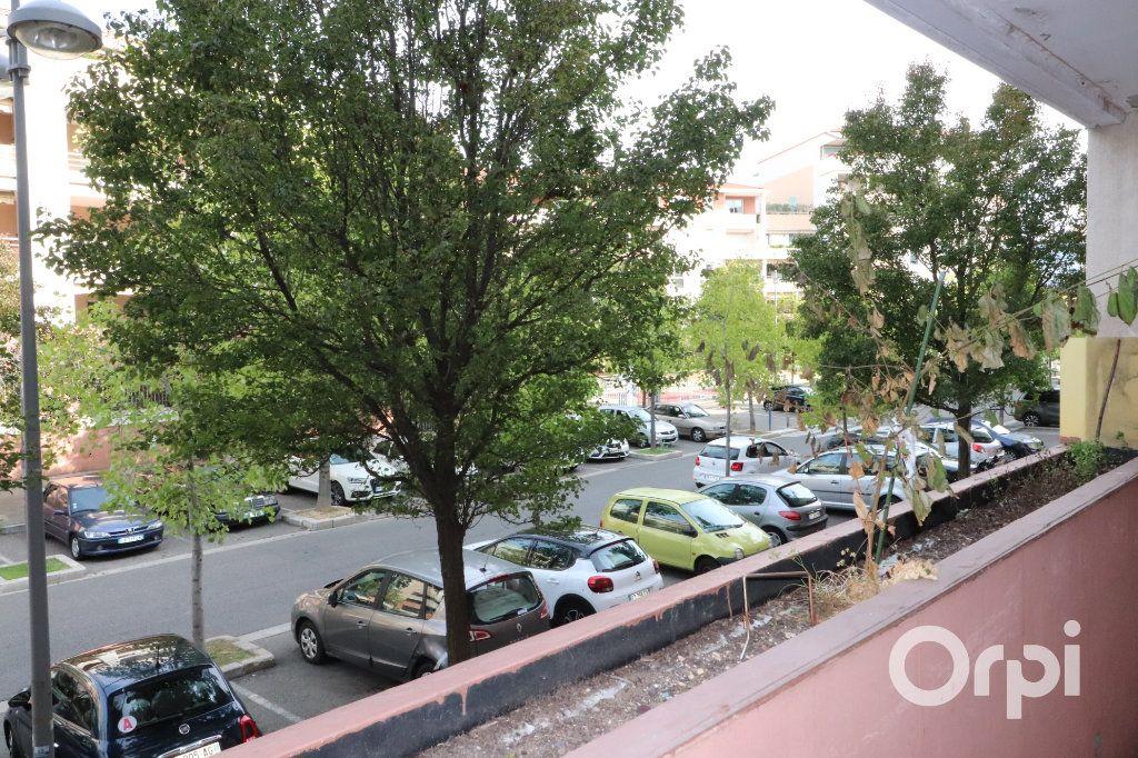 Appartement à vendre 1 26m2 à Aubagne vignette-2