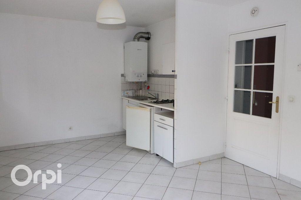 Appartement à vendre 1 26m2 à Aubagne vignette-3