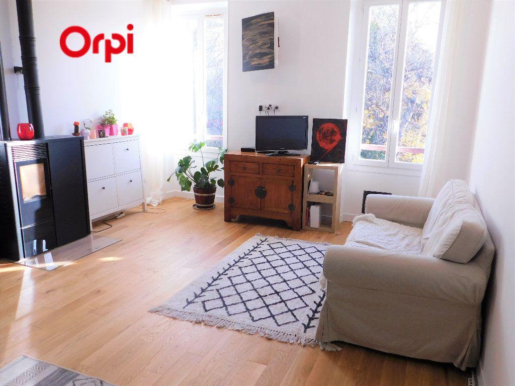 Appartement à vendre 3 56m2 à Roquevaire vignette-1