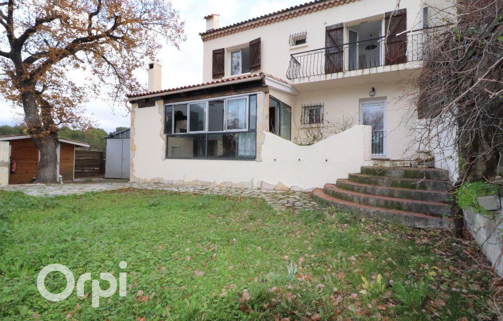 Maison à vendre 4 143m2 à Aubagne vignette-1