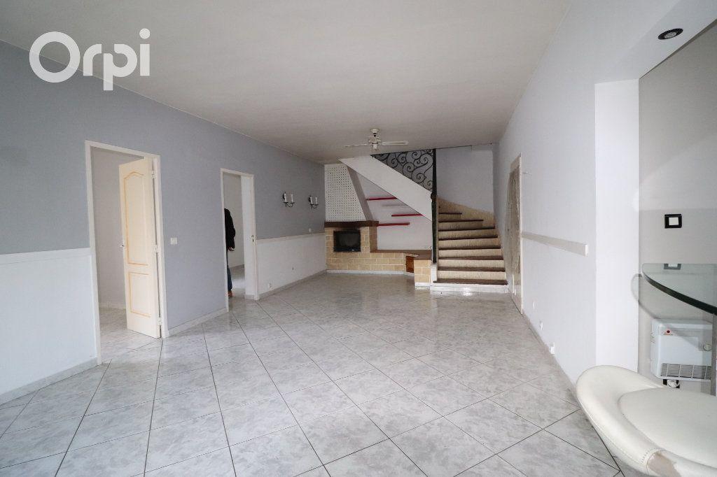 Maison à vendre 4 143m2 à Aubagne vignette-2