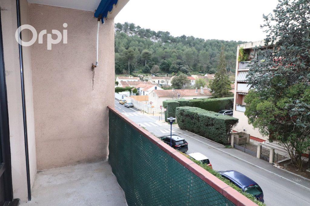 Appartement à louer 3 68m2 à Carnoux-en-Provence vignette-1