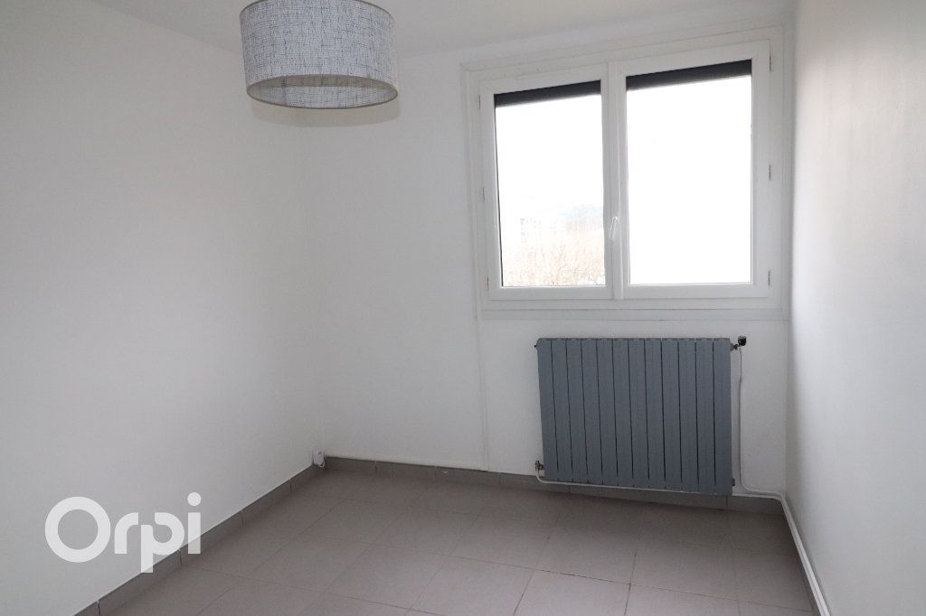 Appartement à louer 3 68m2 à Carnoux-en-Provence vignette-6
