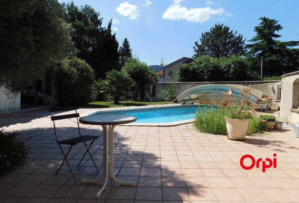 Maison à vendre 8 240m2 à Auriol vignette-1