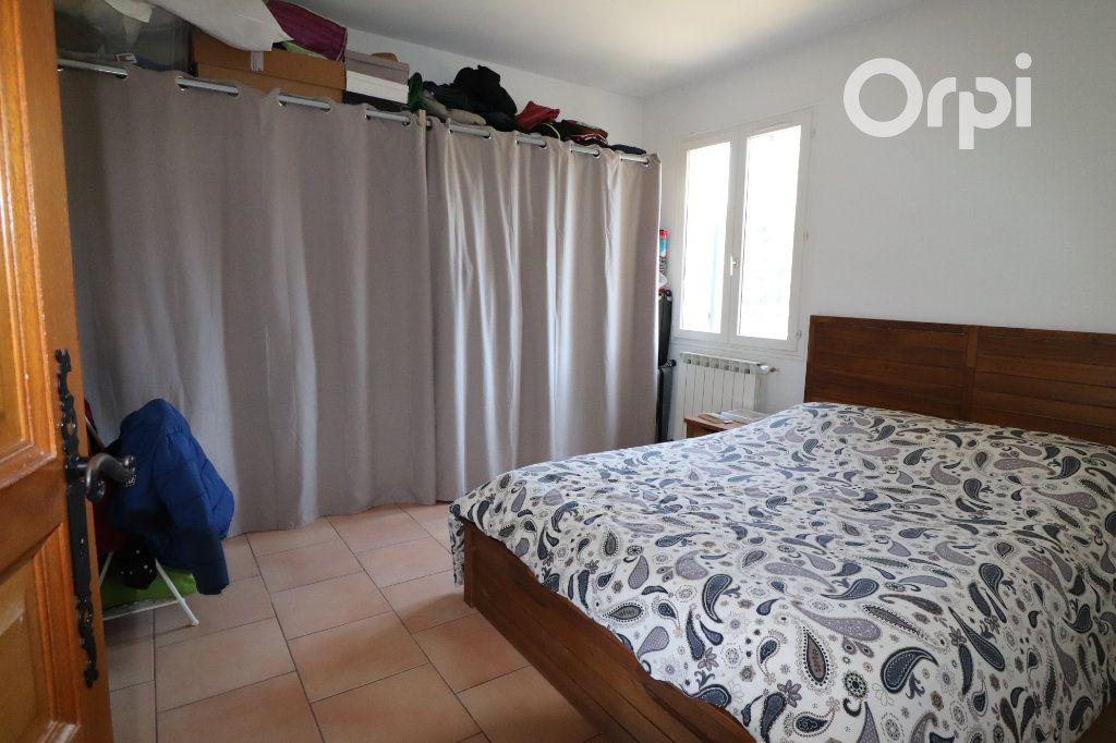 Maison à vendre 4 124m2 à Gémenos vignette-4