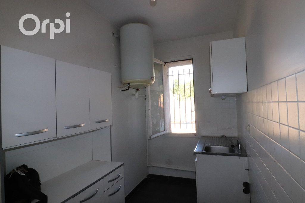 Appartement à louer 2 40m2 à Roquevaire vignette-2