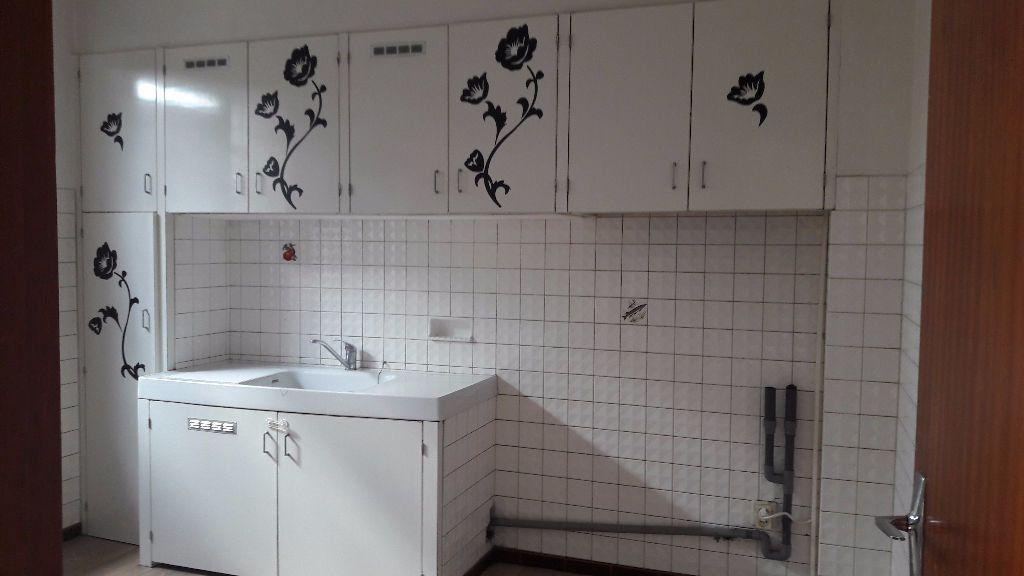 Appartement à louer 4 96.77m2 à Marignane vignette-3