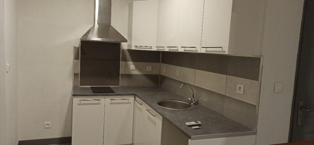 Appartement à louer 1 24.79m2 à Marignane vignette-2