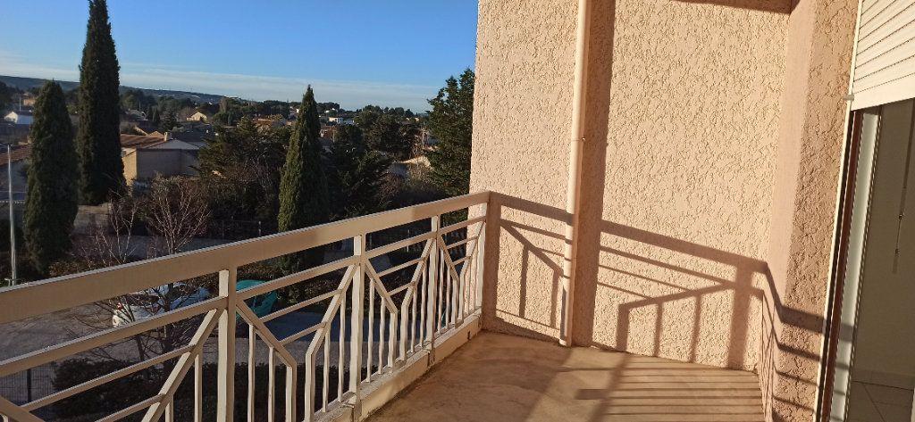 Appartement à louer 2 53.06m2 à Marignane vignette-6