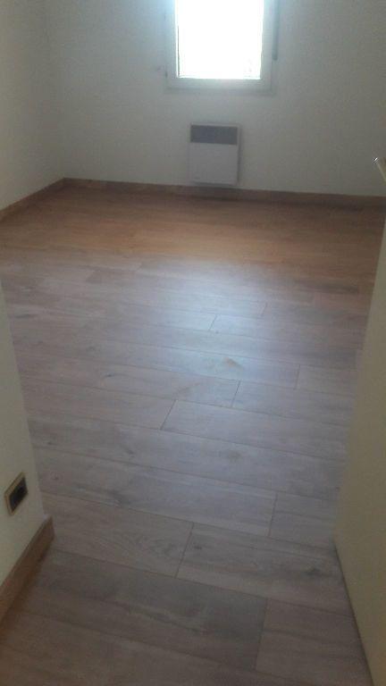 Appartement à louer 2 53.06m2 à Marignane vignette-7