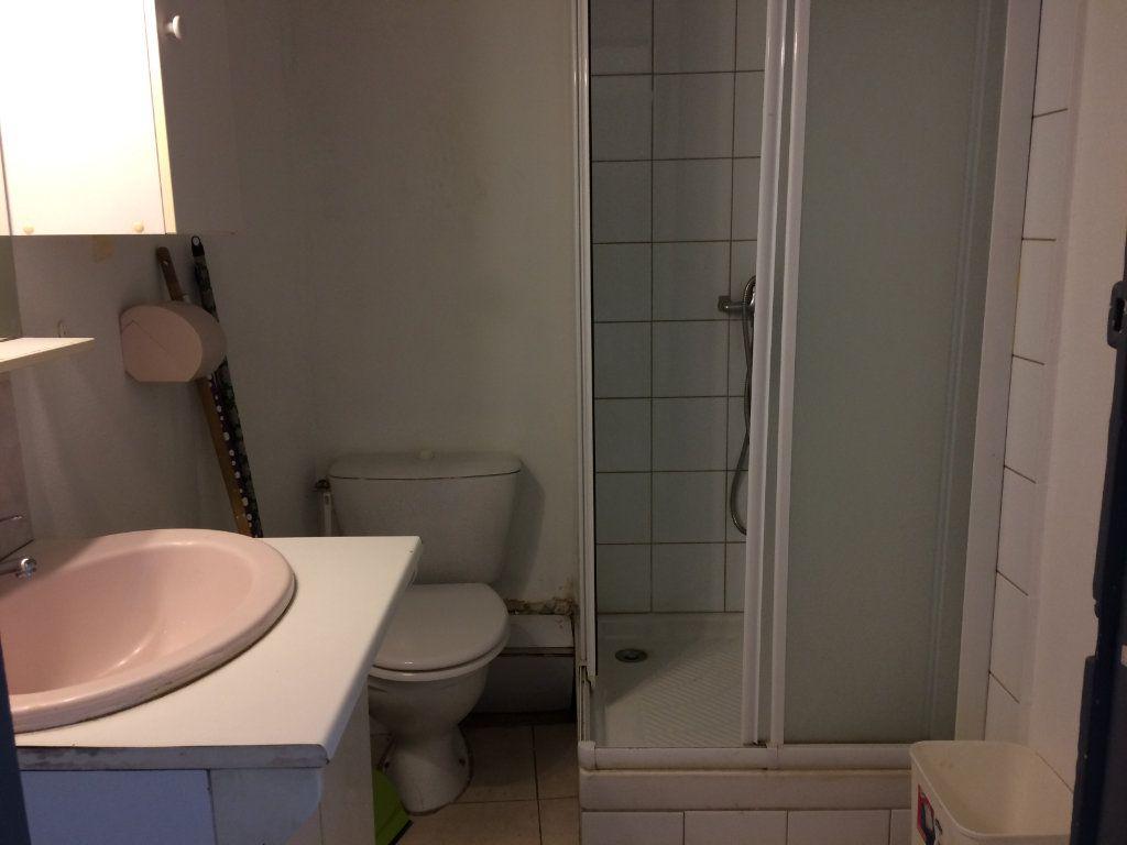 Appartement à louer 2 42.83m2 à Marignane vignette-6