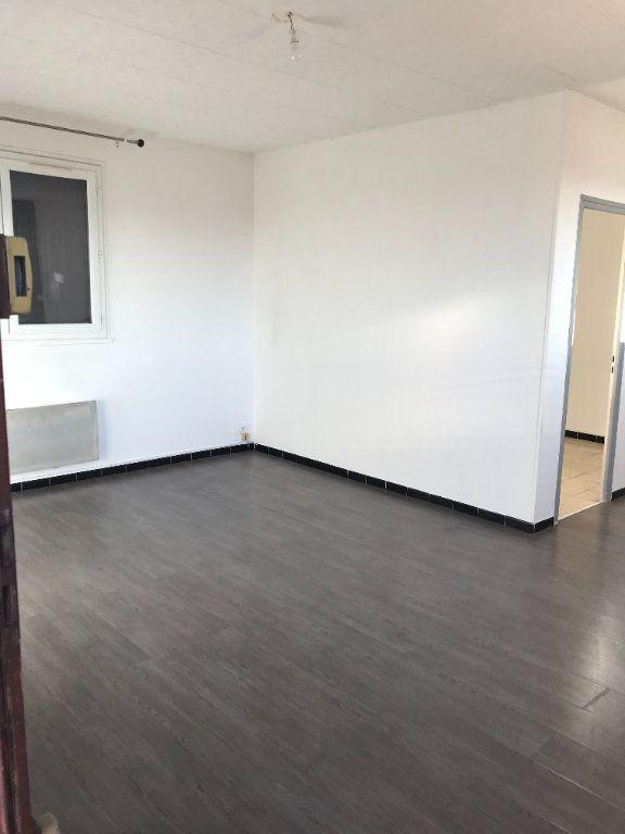 Appartement à louer 3 45.11m2 à Marignane vignette-1