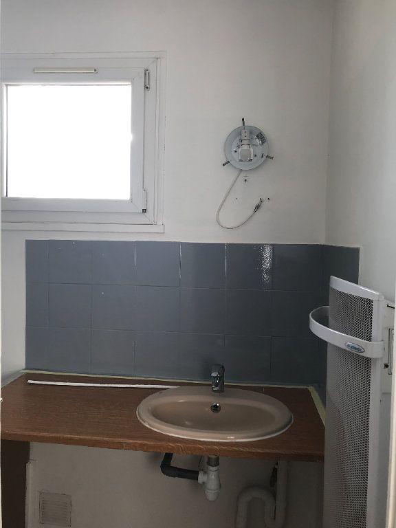 Appartement à louer 3 45.11m2 à Marignane vignette-6