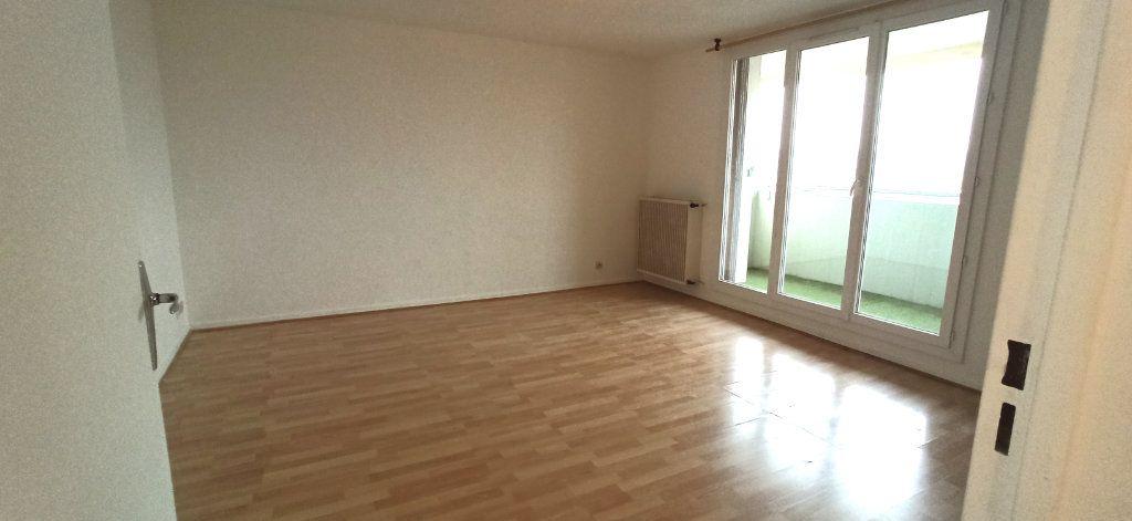 Appartement à louer 1 41.2m2 à Marignane vignette-1