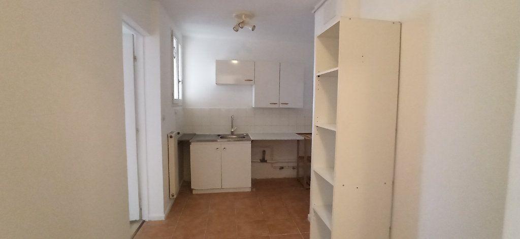 Appartement à louer 1 41.2m2 à Marignane vignette-2