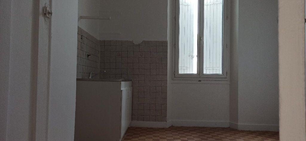Appartement à louer 3 48m2 à Marignane vignette-1