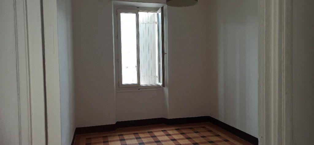 Appartement à louer 3 48m2 à Marignane vignette-2