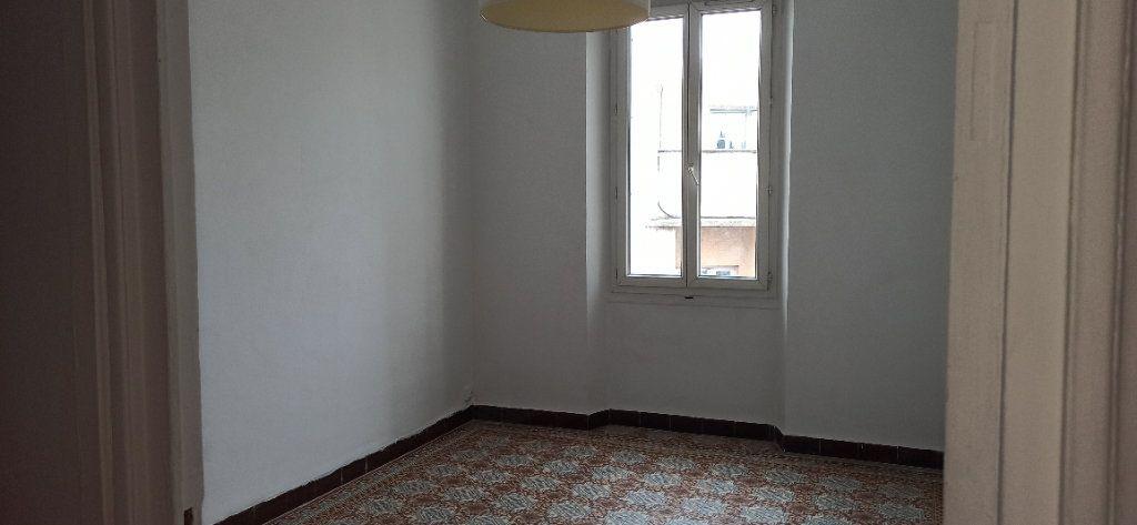 Appartement à louer 3 48m2 à Marignane vignette-3