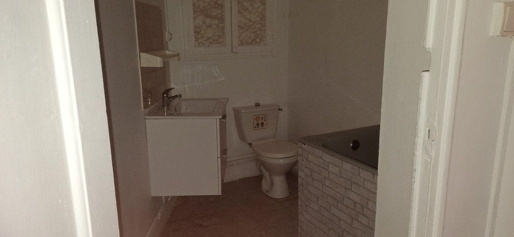 Appartement à louer 3 48m2 à Marignane vignette-4