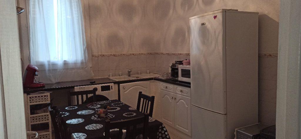 Appartement à vendre 2 49m2 à Marignane vignette-2