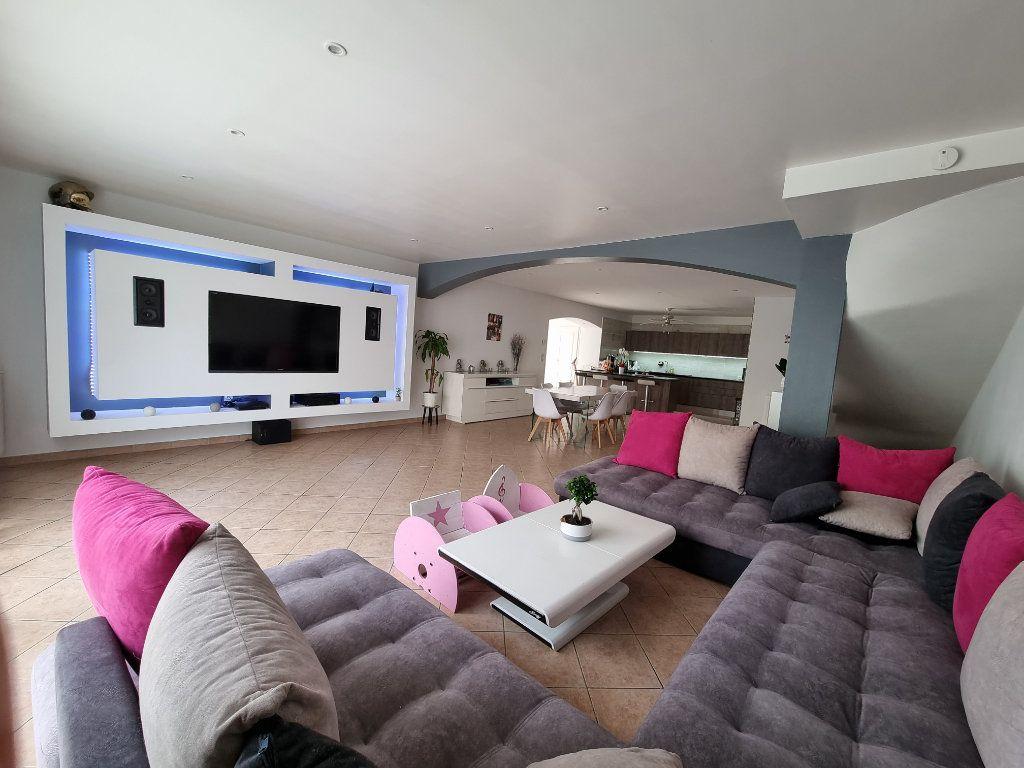 Maison à vendre 4 133m2 à Marignane vignette-1