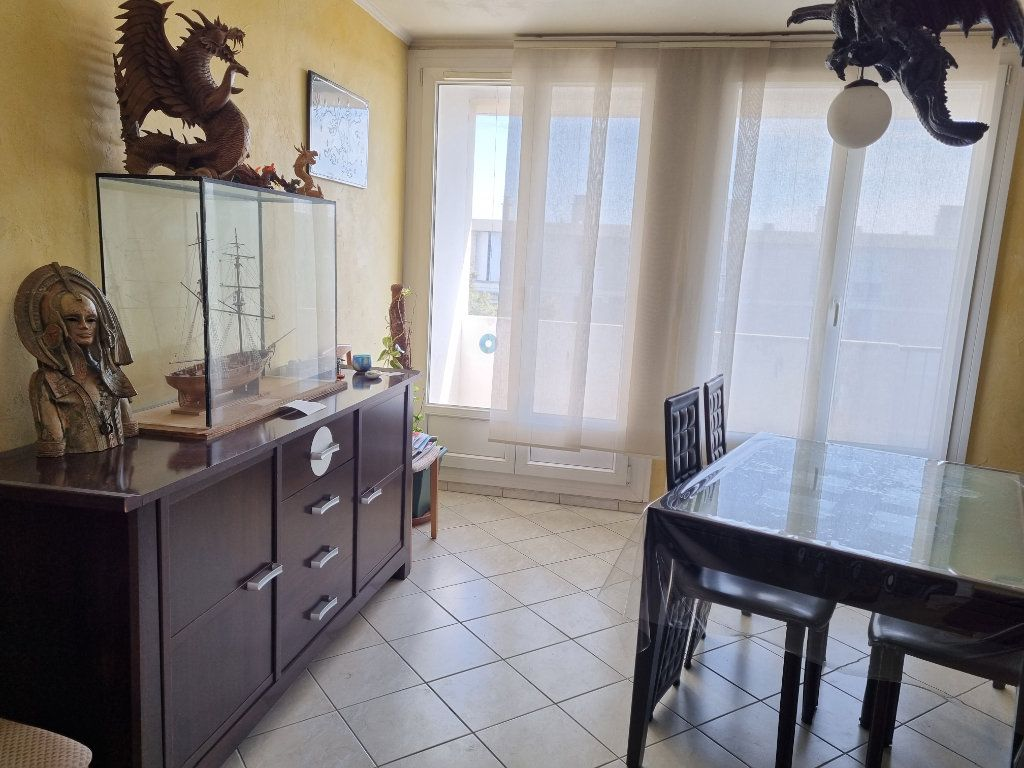 Appartement à vendre 3 63.92m2 à Marignane vignette-1