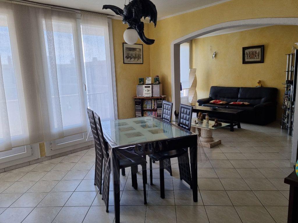 Appartement à vendre 3 63.92m2 à Marignane vignette-2