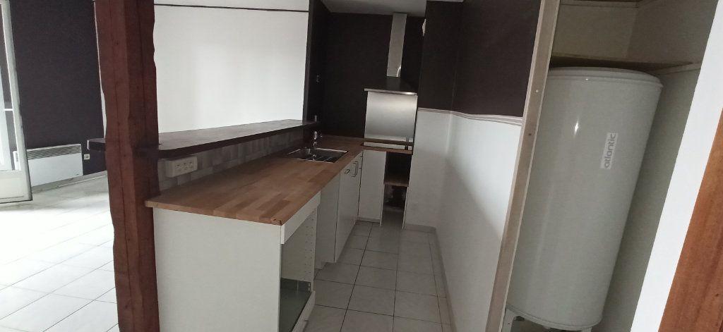 Appartement à louer 3 46m2 à Marignane vignette-3