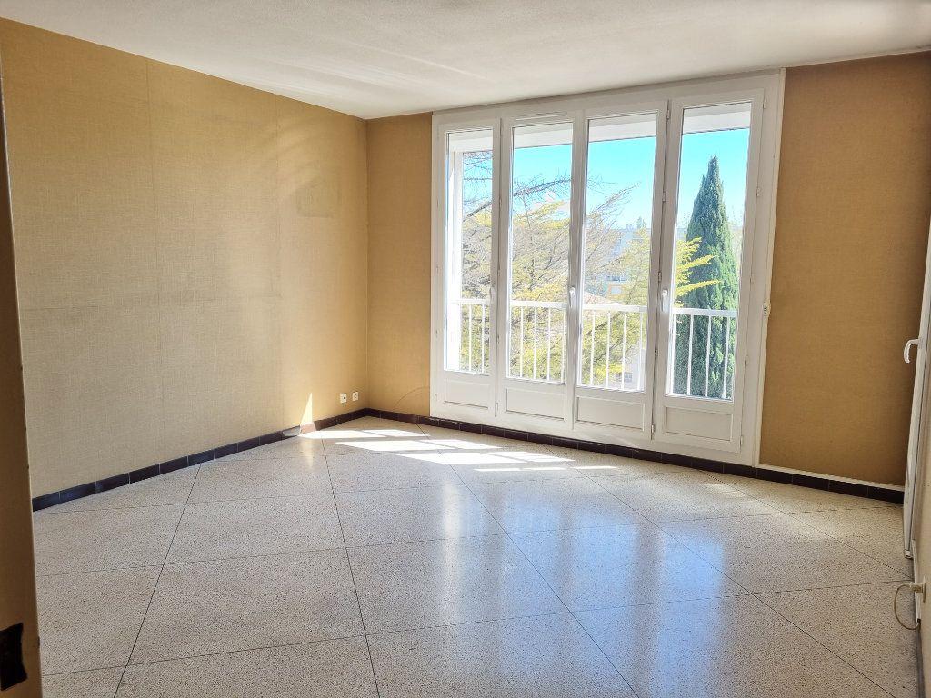 Appartement à vendre 4 74m2 à Marignane vignette-1