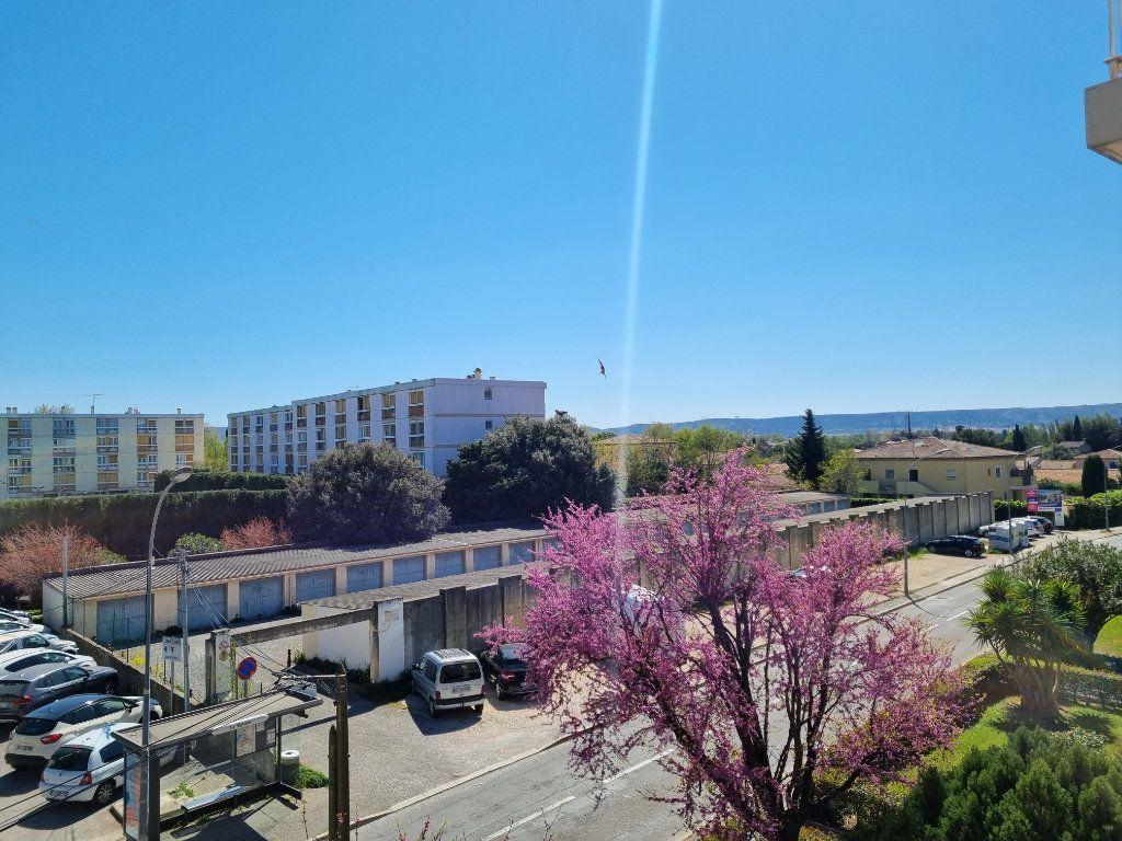 Appartement à vendre 4 74m2 à Marignane vignette-2
