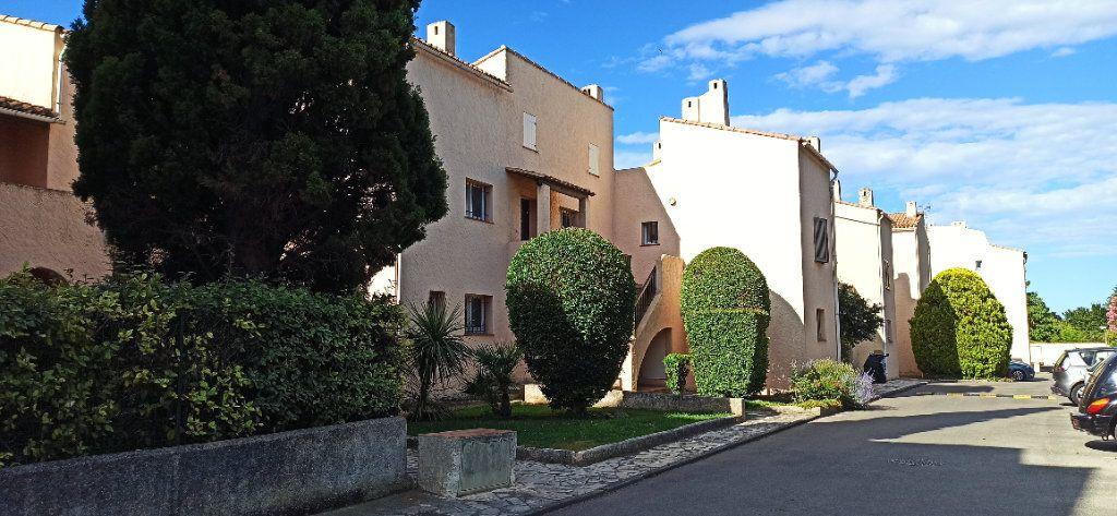 Appartement à louer 1 32.07m2 à Marignane vignette-1
