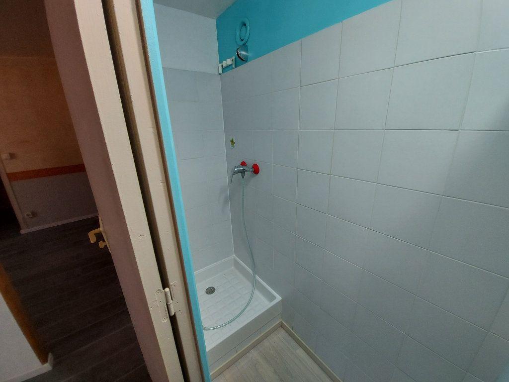 Appartement à louer 2 32.78m2 à Vitrolles vignette-5