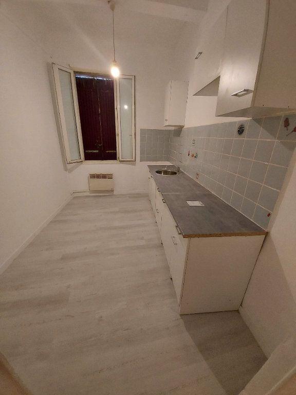 Appartement à louer 2 35.6m2 à Marignane vignette-2