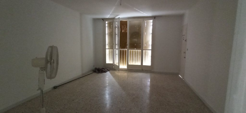 Appartement à louer 2 48.31m2 à Marignane vignette-1