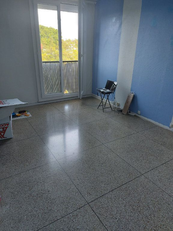 Appartement à louer 2 48m2 à Marignane vignette-3