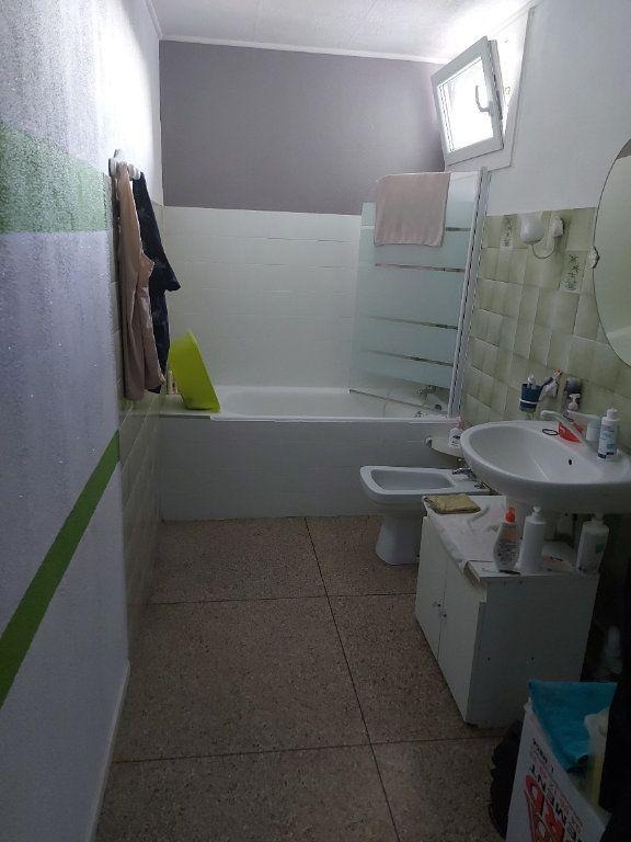 Appartement à louer 2 48m2 à Marignane vignette-4