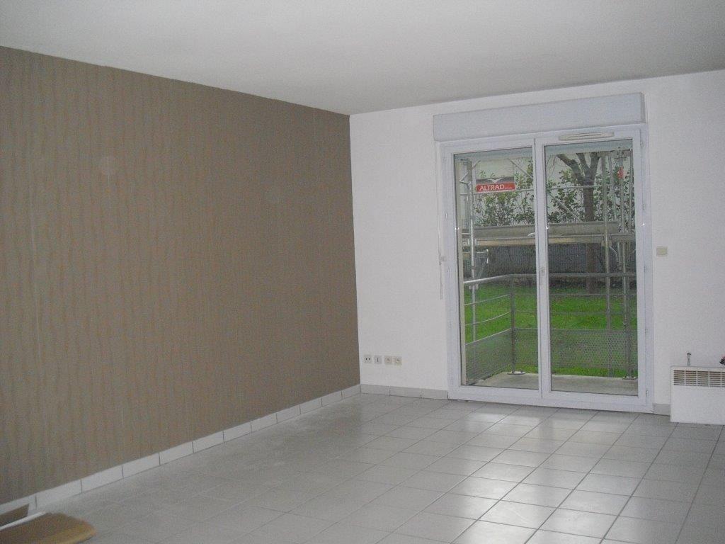 Appartement à louer 2 47.54m2 à Brive-la-Gaillarde vignette-2
