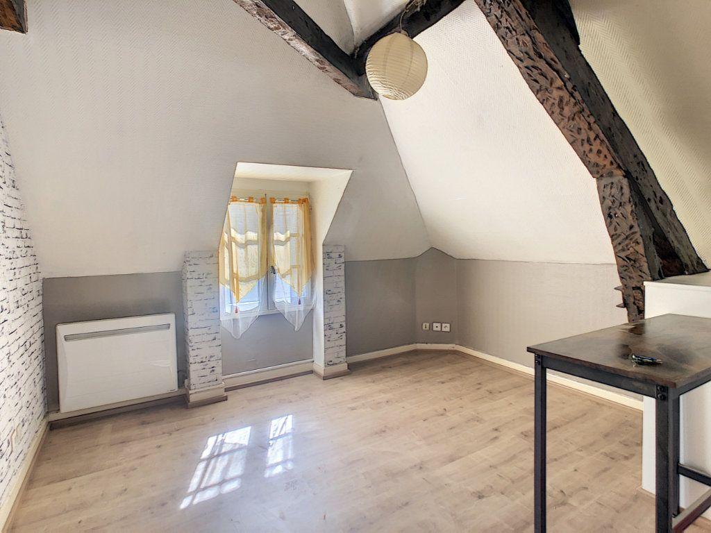 Appartement à louer 3 36.62m2 à Brive-la-Gaillarde vignette-1