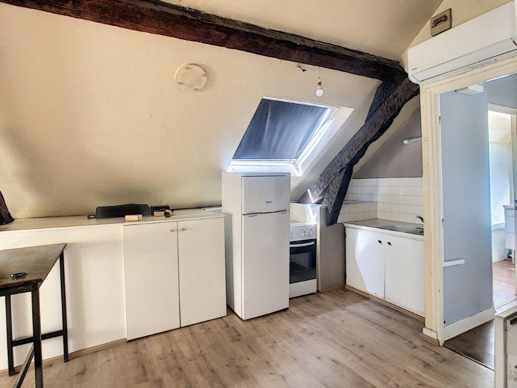 Appartement à louer 3 36.62m2 à Brive-la-Gaillarde vignette-2